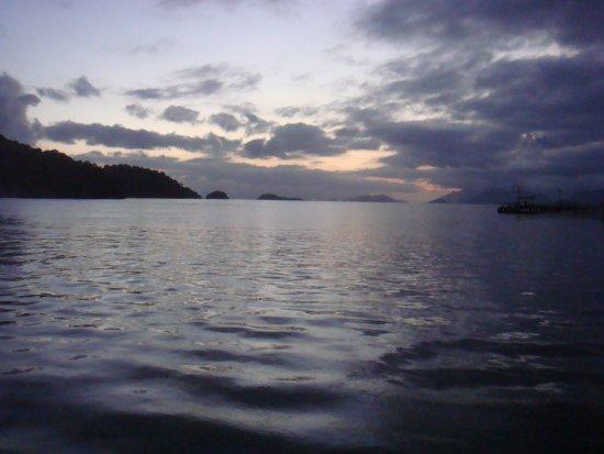Itacuruca: Pôr do sol no pier da cidade