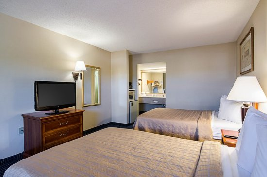Troutville, VA: Guest room with two beds