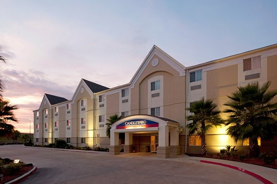 Candlewood Suites Extended Stay: Hotel Exterior