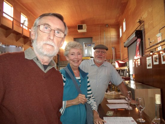 Dartmouth, MA: Another view of the wine tasters