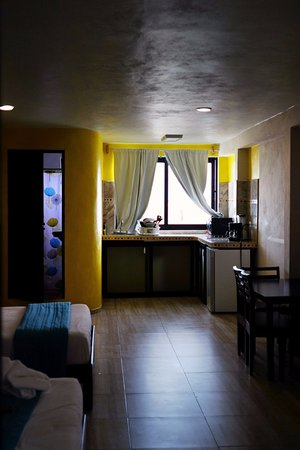 Hotel Sueño Maya: Kitchenette, equipped with the basics to cook your own dinner or desayuno