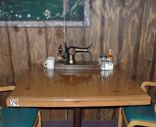 Yucaipa, แคลิฟอร์เนีย: Sewing machine 1900s