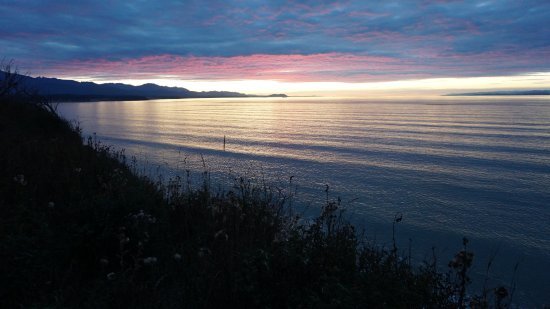 Sequim, Etat de Washington : Sunset along the bluffs