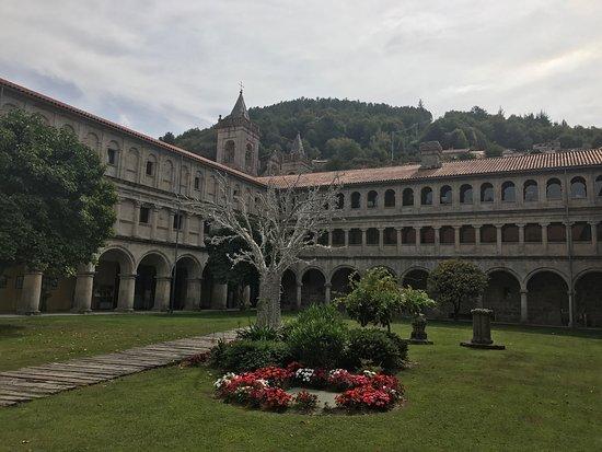Parador de Santo Estevo : photo2.jpg