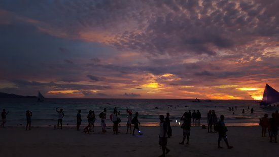 The District Boracay: 20170928_175603_large.jpg