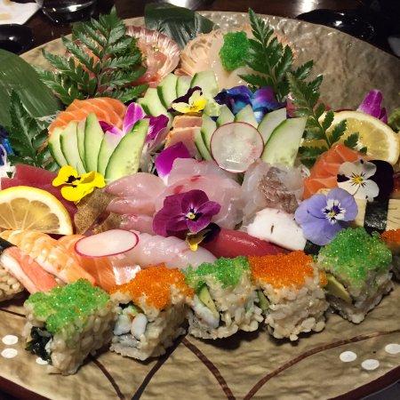 Ichi Ni Nana: colourful flora sashimi/sushi platter