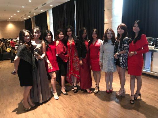 The Ritz-Carlton Jakarta, Pacific Place - Recenzie a