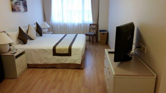 Norfolk Mansion Saigon: 2 bedroom apartment - king bed