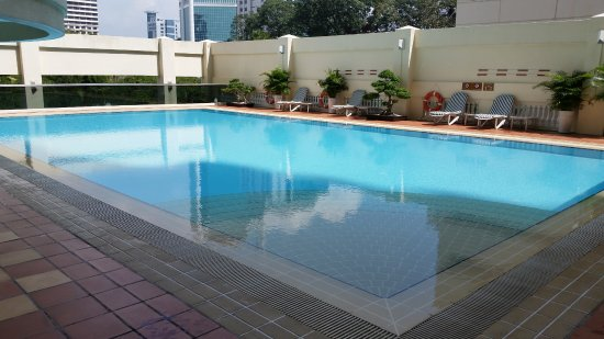 Norfolk Mansion Saigon: pool and spa on other side