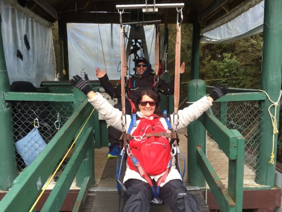 Nelson-Tasman Region, Nueva Zelanda: Tandom ziplining back with my husband