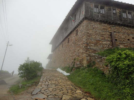 Ribaritsa, Bulgaria: Fog and monastery