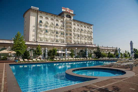 Outdoor Pool Picture Of Grand Hotel Italia Cluj Napoca Tripadvisor