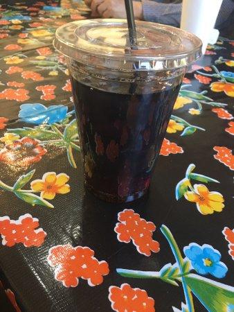 Linn's Easy As Pie Cafe: photo4.jpg
