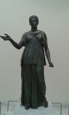 Archaeological Museum of Piraeus: Αίθουσα αγαλμάτων