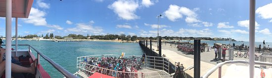 Rottnest Express: photo0.jpg