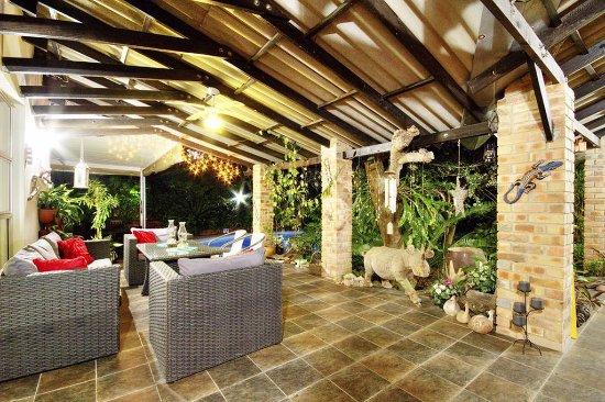 Maputaland Guest House: Veranda lounge