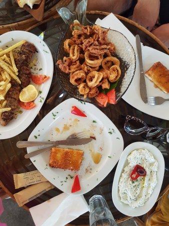 Loutraki, กรีซ: Zamówione potrawy