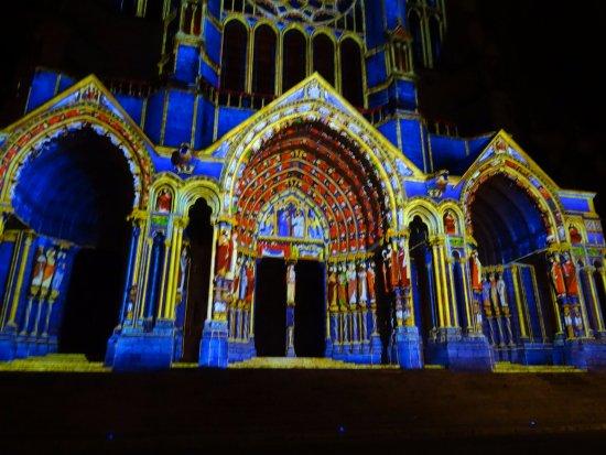 Illuminations de la façade Ouest de la Cathédrale (près du Week End)