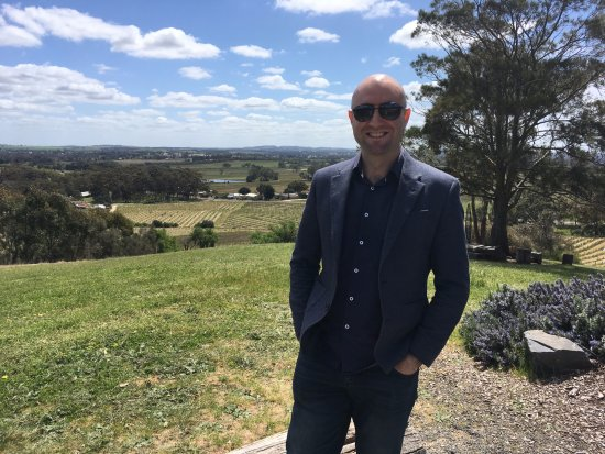 Bethany Wines: Lovely lookout from the hilltop
