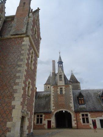 Lassay-sur-Croisne, Frankrijk: Vue de la Cour Intérieure