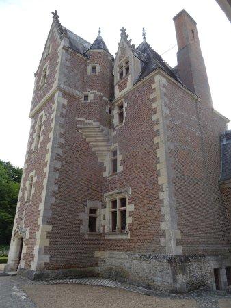 Lassay-sur-Croisne, Frankrijk: La partie Habitée du Château aux briquettes rouges