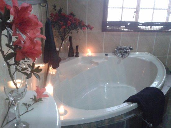 Sabie, South Africa: Rhino room bathroom