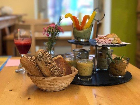 Waldbronn, Alemania: Super Frühstück