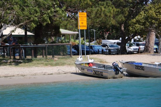 The Noosa Ferry Cruise Company: views from the Noosa River