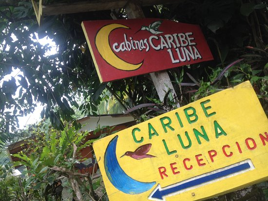 Cabinas Caribe Luna: panneau d'accueil . Impasse où se trouve CARIBE LUNA