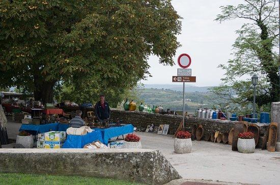 Groznjan, Kroatia: Flea market