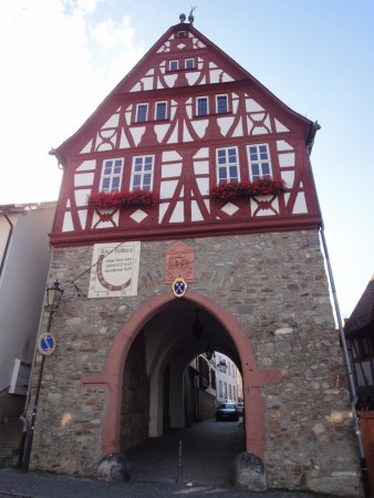 Оберурзель (Таунус), Германия: Puerta acceso a la plaza