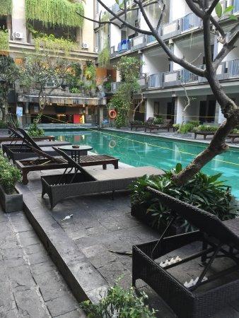 Champlung Mas Hotel: Pool