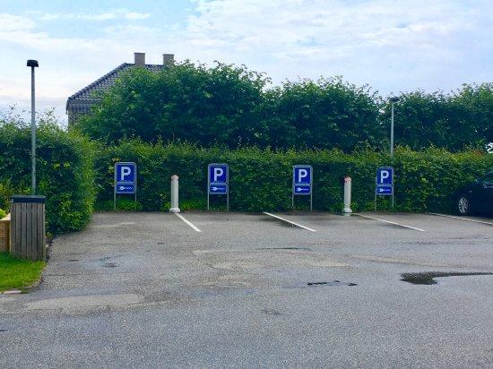 Rungsted, Denmark: 4 EV Lade!plätze - Top
