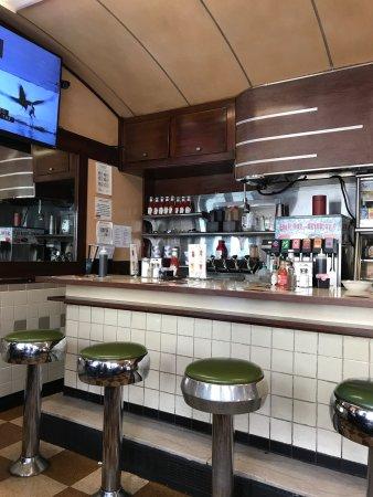 Modern Diner : photo1.jpg