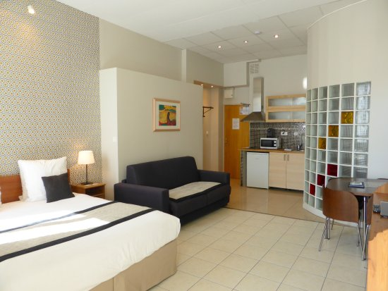 Mercure nice marche aux fleurs updated 2017 prices for Hotel appart nice