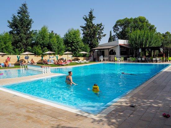 Achousa Hotel: Pool Area.