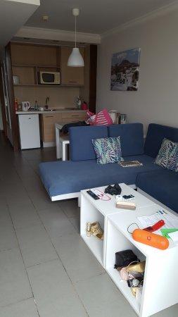 Los Zocos Club Resort: Lounge/kitchen area