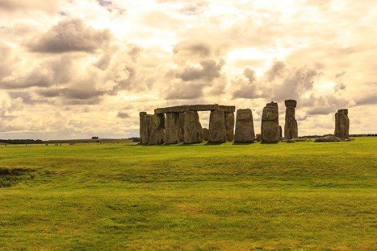 The Stonehenge Tour: Stones1