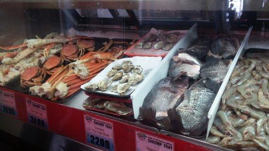 San pedro fish market restaurant los angeles for Fish market los angeles