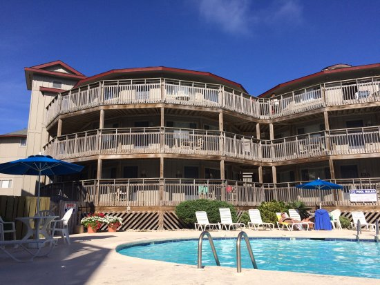 Outer Banks Beach Club: Perfect pool day