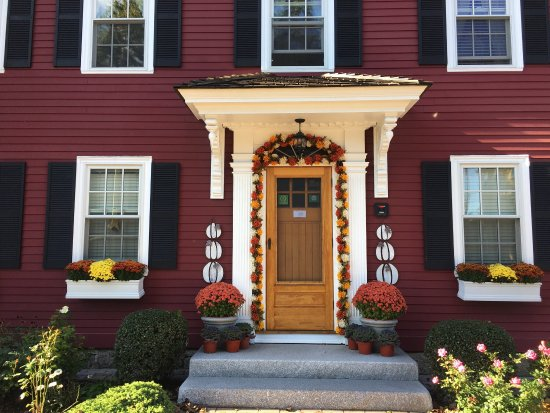 Morning Glory Bed & Breakfast: Beautiful B&B, Rebecca Nurse room, and delicious breakfast!