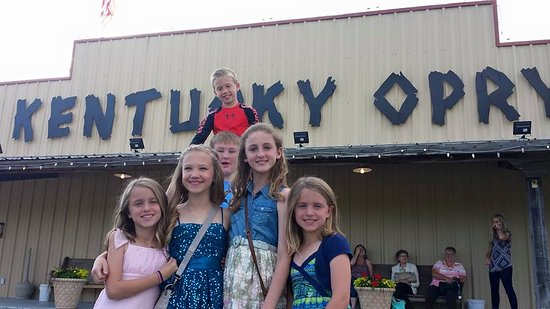 Benton, KY: Kids Love the Opry