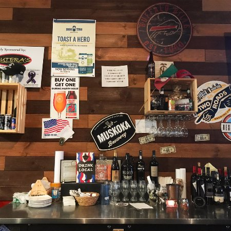 Butera's Craft Beer & Craft Pizzas: Bar Front
