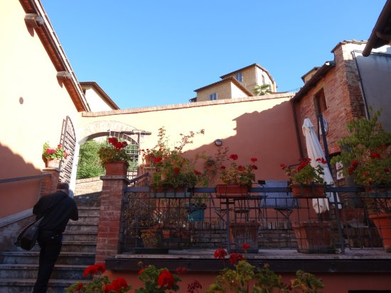 Hotel Alma Domus Photo