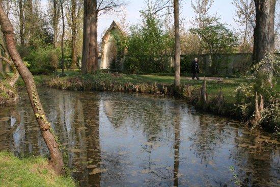 Desana, Italy: cortile