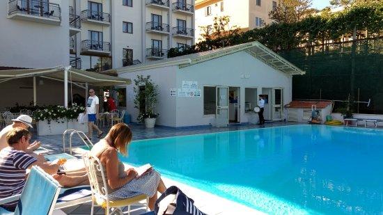 Pool Area With Pool Bar Picture Of Grand Hotel Flora Sorrento Tripadvisor