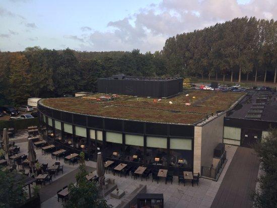 Nieuwerkerk aan den Ijssel, Nederland: Uitzicht op terras/restaurant
