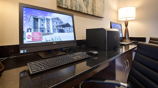 Fort Morgan, CO: Our business center is great for emails, printing work documents, or simply checking social medi