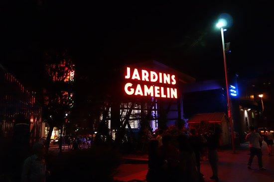 Le Roberval : Les spectacles des jardins Gamelin proches du Roberval .