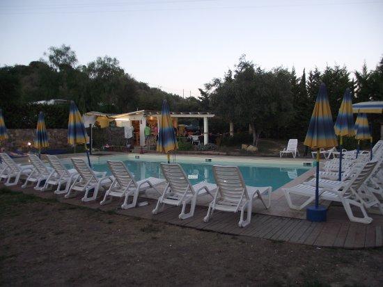 Camper village santo stefano al mare italie voir les for Piscine 94